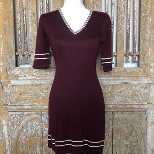 GUESS USA MAROON SHORT SLEEVE KNIT DRESS FITTED S